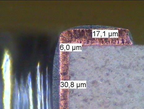 Corte Metalográfico de Placa de Circuito Impresso